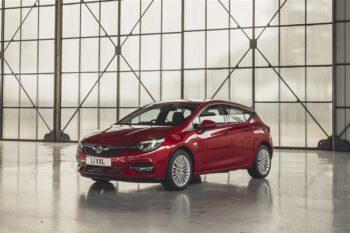 Short Term Vauxhall Astra 1.6 CDTi 16 V 136 SRi Nav 5DR Auto Business Lease